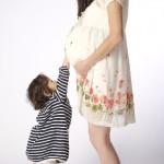 妊娠中期頃から感じる胎動、赤ちゃんの動き方や胎動の感じ方