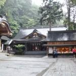 長野県諏訪市の安産祈願 – 諏訪大社 (すわたいしゃ)